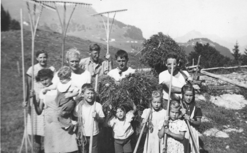 Die Überlebensstrategie unserer Ahnen – vor allem der Bauernfamilien – war der Kindersegen!  /  Survival strategy of our ancestors – especially the farming families – was children blessing!