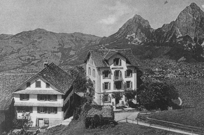 Schwyzerhöhe mit Haus Muoltha-T34A