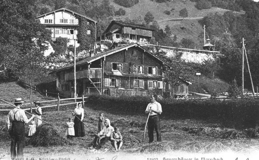 Das Leben im Bergdorf Morschach wurde bis zur Belle Epoque von den Bauernfamilien dominiert.   /   Life in the mountain village Morschach was dominated until the Belle Epoque of the farmingfamilies.