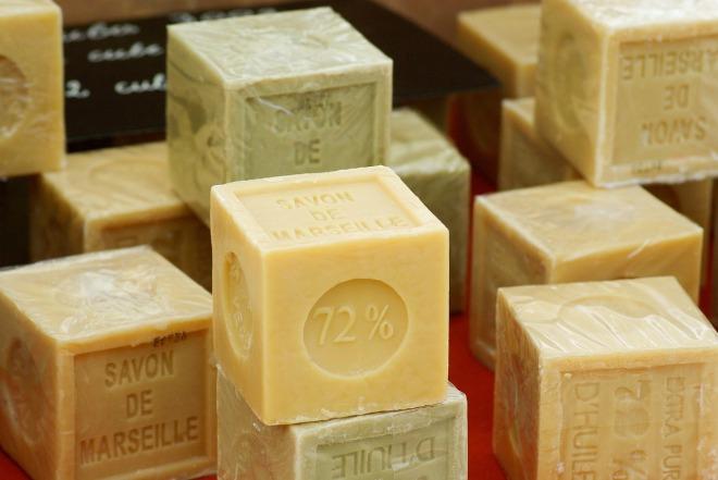 soap-673176_1280