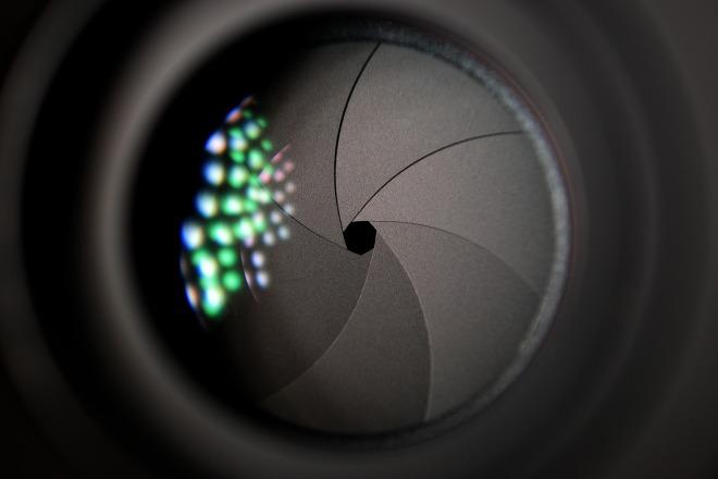 camera-lens-2246472_1920