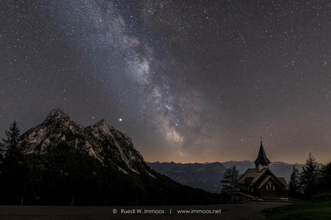 Milkyway-Hageneggkapelle-Mythen-1-Hintergrundebene-a-Signet-web