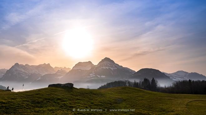 Morschach-Axenstein-Golfplatz-rechts-Panorama-ohne-Druidenstein-und-Clubhütte-Z50-0048-a-Signet-web